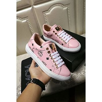 MCM 2018 early autumn new round head strap flat running shoes pink