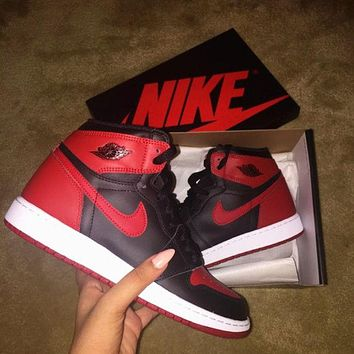 Nike Air Jordan Retro 1 High Tops Contrast Fashion Women Men Running Sports Shoes Sneakers Black Red