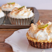 Mini Key Lime Tarts with Coconut Graham Cracker Crust and Meringue   FoodPornDaily