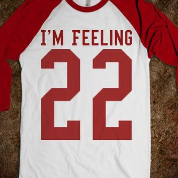I'M FEELING 22 TAYLOR SWIFT BASEBALL TEE T SHIRT