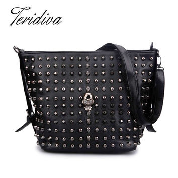 Bucket Bag 2016 Women's Fashion Handbag Solid Color Skull Shoulder Bag Womens Rivet Handbags Messenger Bags Punk Bolsos Mujer