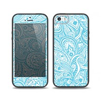 The Light Blue Paisley Floral Pattern V3 Skin Set for the iPhone 5-5s Skech Glow Case