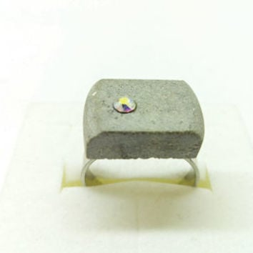 Concrete ring/Swarovski crystal/Cement jewelry/Handcrafted/Aurora borealis