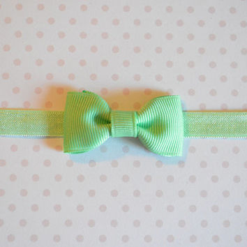 Mint Green Baby Bow Headband. Tiny Mint Bow Headband. Baby Hair Accessories. Baby Girls Hair Accessories. Baby Bow Headband. Mint Green Bow