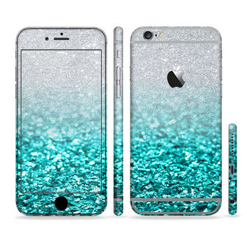 The Aqua Blue & Silver Glimmer Fade Sectioned Skin for Most Mobile Devices (Choose your device)