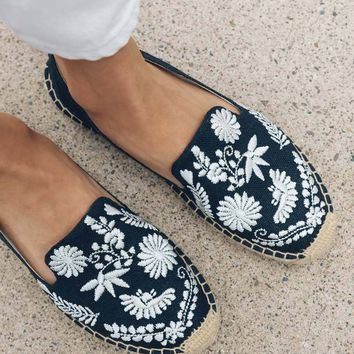 Ibiza Embroidered Platform Smoking Slipper