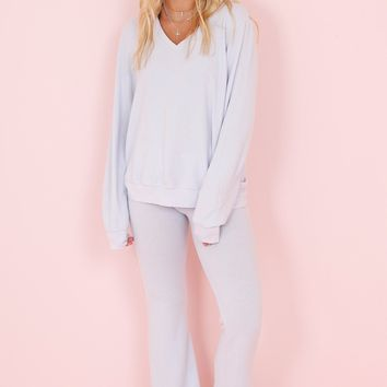 WILDFOX | V Neck Baggy Beach Jumper - Pearl Blue