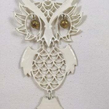 Vintage white owl necklace,  horned owl necklace, large owl necklace, articulated owl, 1970s vintage owl necklace owl pendant