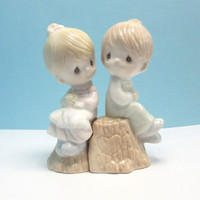 Precious Moments Girl Boy on Stump Salt & Pepper Shakers - 1993 Enesco  - original box - collectibles