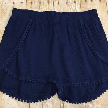 Intricate Details Shorts: Navy