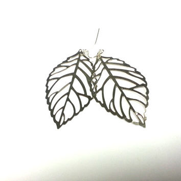 Silver tone leaf dangle earrings, fun spring earrings, dressy earrings, gift, her