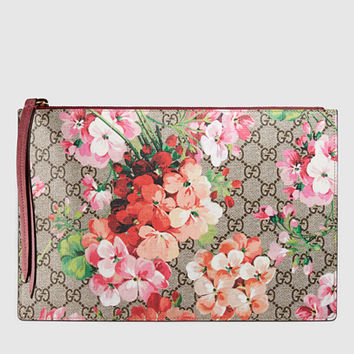 Gucci - gg blooms supreme canvas pouch 402282KU23N8693