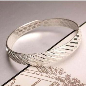 ON SALE - Diagonal Etched Lines Bangle Bracelet