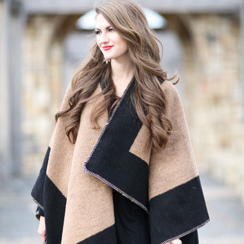 Layla Cape - Sand / Black