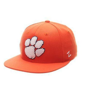 Licensed Clemson Tigers Official NCAA M15 Size 7 7/8 Fitted Hat Cap by Zephyr 530009 KO_19_1