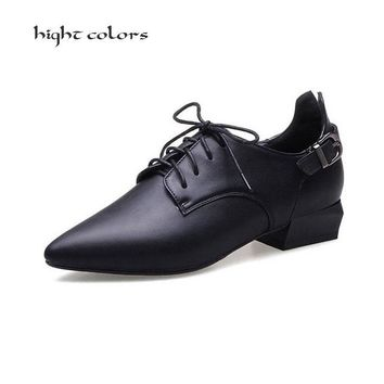 Fashion Pointed Toe Lace Up Women Flat Oxford Shoes Size 34-42 Shoes Woman Vintage Carved Oxfords Shoes For Women Ladies Flats