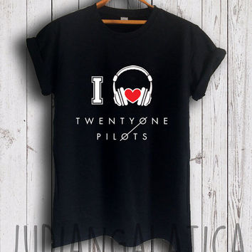 i love music twenty one pilots shirt twenty one pilots merch tshirt black color unisex size