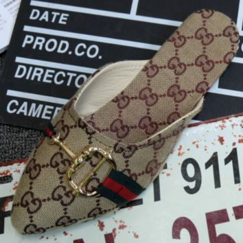 GUCCI 2018 summer section pointed flat small G-shaped buckle printed cloth denim sandals drag shoes Beige