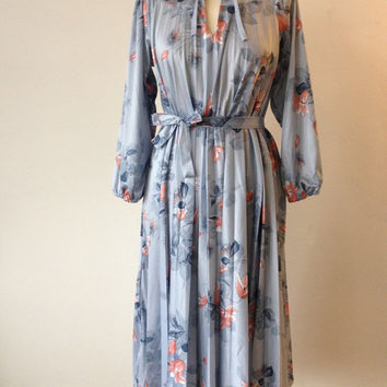 Gorgeous Vintage Boho Pleated Pale Blue 70s 1970s Dress Pink Flowered Dress Below Knee Plus Sized Maternity Size 12 14 16 Womens Clothing