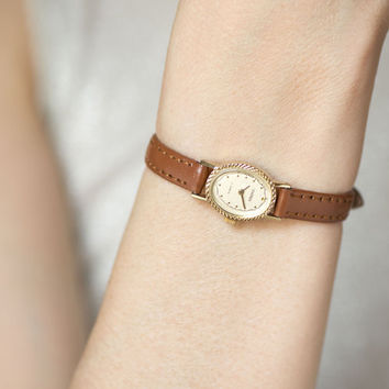 Oval face lady's watch Sekonda, gold plated women's wrist watch, wind up lady watch small, retro petite lady watch, gift leather strap new