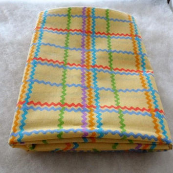 Vintage R E D Original Designs Cotton-Polyester Blend Fabric/Vintage Fabric/Yellow with Variety colored wavy lines Fabric Remnant
