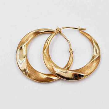 Vintage 14K Yellow Gold Hoop Pierced Earrings, Wavy, Wrapped, Textured & Smooth, Gold Hoops, Latch Back, 1 Inch, 1.6 Grams #c332