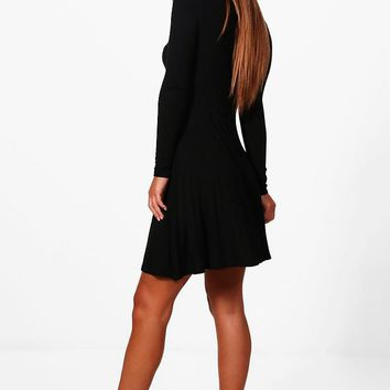 Robe patineuse basique à manches longues Petite | Boohoo