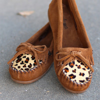 Minnetonka: Leopard Kilty Moccasin {Dusty Brown} --Call to Order--