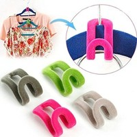Tinksky 12pcs Novelty Anti-slip Mini Flocking Clothes Rack Hanger Hooks Holders (Random Color)