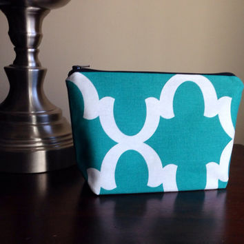 FREE SHIPPING Make up, cosmetic bag, zipper pouch, bridesmaid clutch - emerald green geometric pattern and zig zag