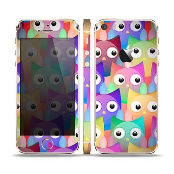 The Multicolored Shy Owls Pattern Skin Set for the Apple iPhone 5s