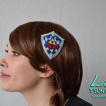 Link's Hylian Shield (Legend of Zelda)  Felt Hair clip