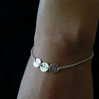 Persnalized initial disc bracelet - Gold filled or Sterling silver