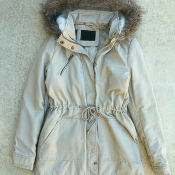 Cozy Northern Forecast Parka in Beige