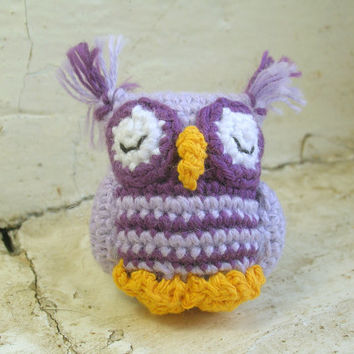 Amigurumi miniature owl, crochet owl, owl plush toy, miniature toy, collectible toy, amigurumi keychain, key holder, bird keychain