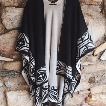 Tribal Pattern Open Front Poncho
