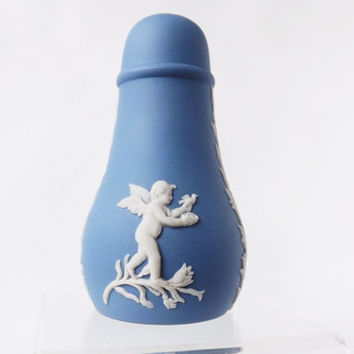 Pepper Shaker Blue Wedgwood Jasperware, Blue Jasper Salt Shaker, Blue Kitchen Accessories, Condiment Pot, Vintage Kitchen, Cupid