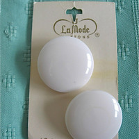 Vintage White LaMode Buttons