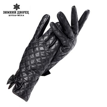 Gloves Women Gloves Central Butterfly Decoration Genuine Leather Black Chequered Leather Gloves Female Gloves