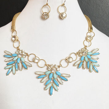 Layla Gold Necklace/Earrings Set
