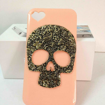 skull iphone heart case  Cute Bling iphone case  by newnewdesign