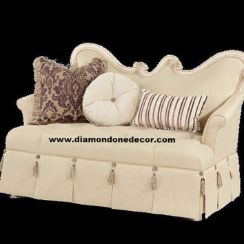 EXQUISITE CLASSIC TUFTED FRENCH STYLE SETTEE
