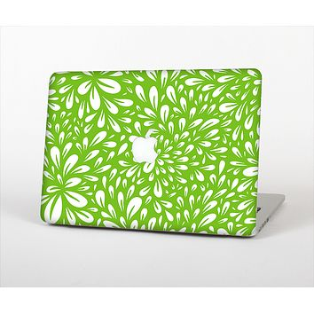 """The Light Green & White Floral Sprout Skin Set for the Apple MacBook Pro 15"""""""