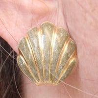 Scallop Shell Earrings Olive Green Glitter Enamel Vintage 072513CO