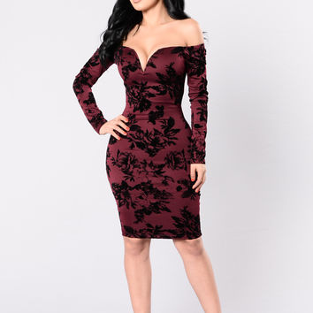 Growing Addiction Dress - Burgundy