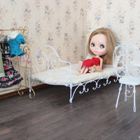 1/6 scale Metal Bed for dolls(Blythe, Barbie, Momoko, Bratz).