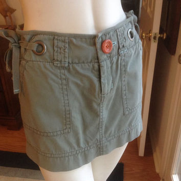 Safari Green Mini Skirt American Eagle  /  Vintage Short Skirt Light Green Size M  /  Cheapvintagefashion