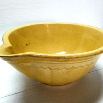 Antique Large Yellow Ware Batter Bowl With Pouring Spout