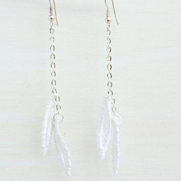 Minimalist Leafs White Lace Earrings - Organic - Tropical Foliage - Wedding Jewelry - Bridesmaids - Bridal - Nature Inspired - Delicate