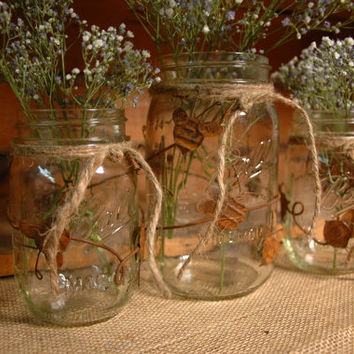 Bumblebee Buzz Rustic set of 3 Mason Jars decorated with Rustic, Rusty Bumblebees
